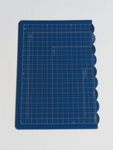 折りたたみカッティングマットA4サイズ